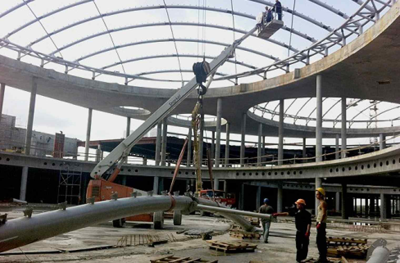 Erection of eight domes of Shopping and entertainment center Respublika is completed